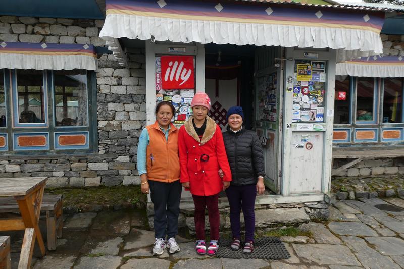 位在Thengboche的Bakery,是高山上唯一由女性製作的甜點屋,滋味令我難忘。