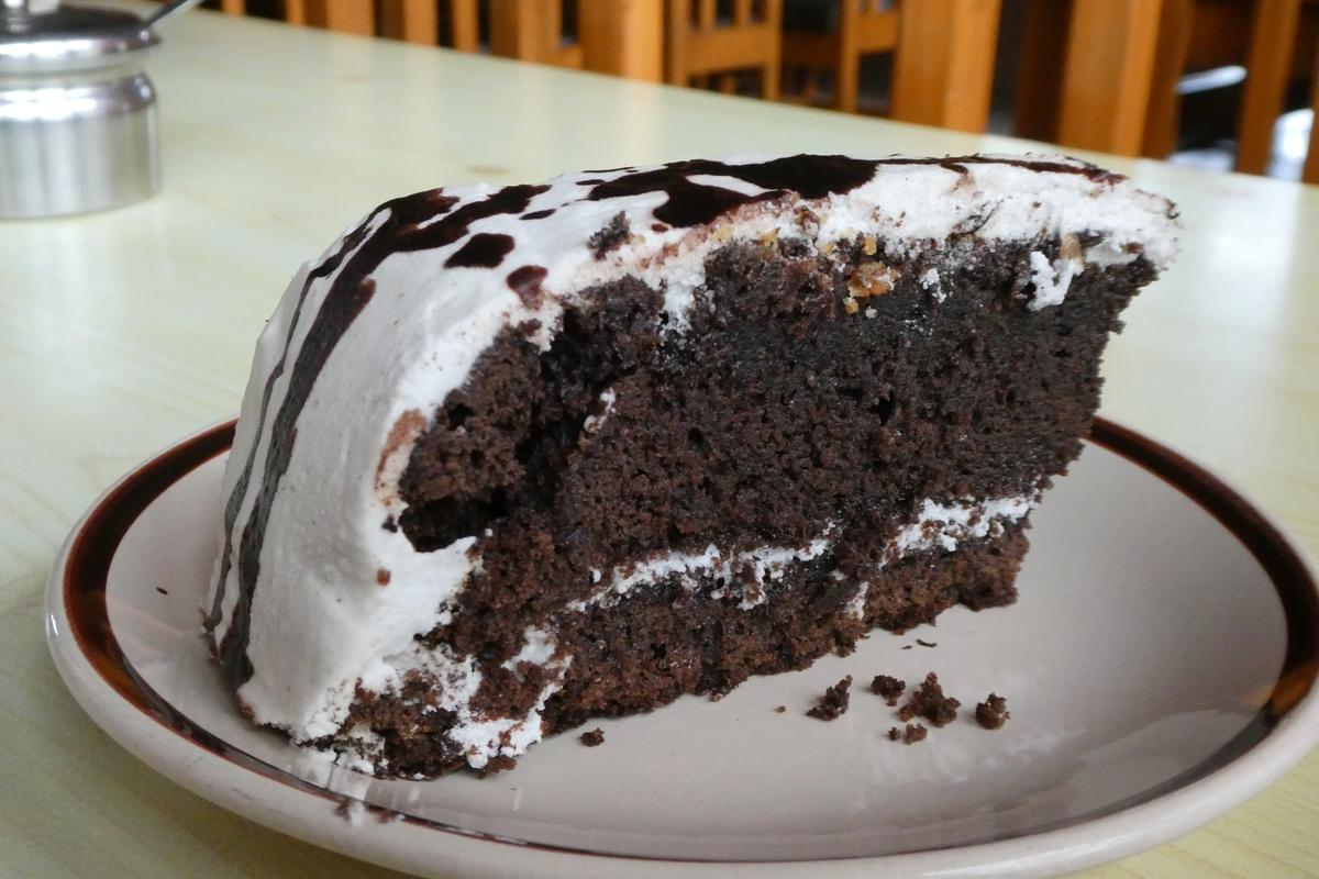 「Chocolate cake」除了表層是糖霜,內層還潛藏著糖粒,很有驚喜。(約NT$150)