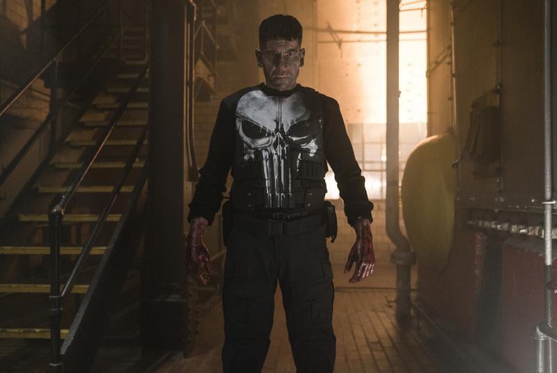 穿著印有骷髏頭圖案的防彈背心,法蘭克卡索堪稱是漫威史上最會中彈、最會受傷的男人,因為沒有超能力,常常在受傷。