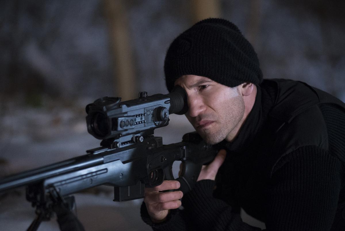 強柏恩瑟打從《陰屍路》之後,幾乎每部戲都是演很容易失去理智、衝動的暴力份子,詮釋法蘭克卡索堪稱不當第二人選。