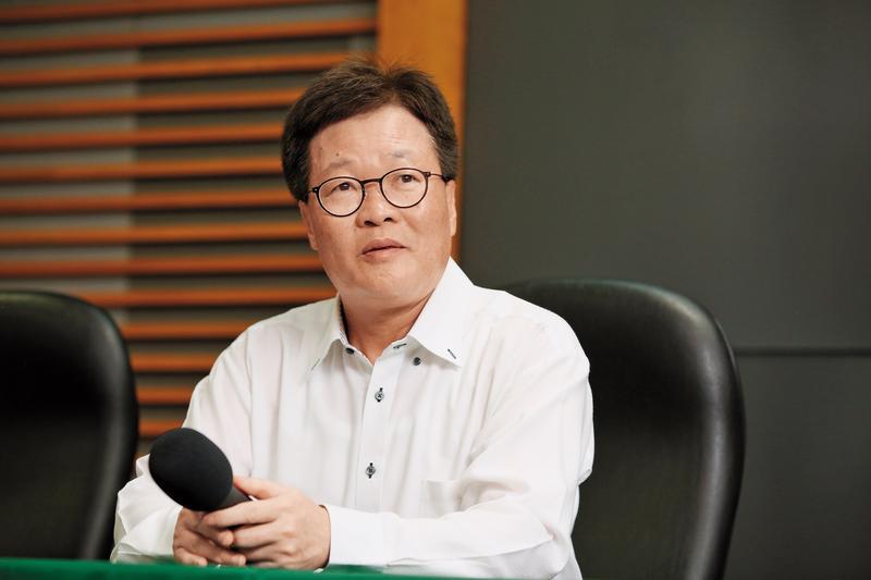 宜蘭代理縣長陳金德才剛上任,就引爆違法農舍爭議。