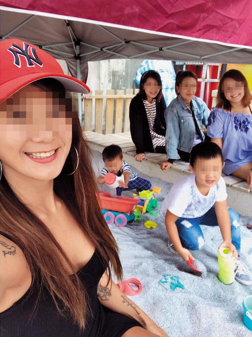 哆哆(左)臉書幾乎都在po兒子的照片,看得出來相當愛護小孩。(翻攝自哆哆臉書)