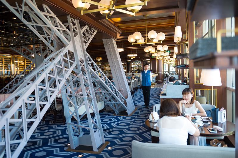「巴黎軒La Chine」是澳門巴黎鐵塔內唯一的餐廳。