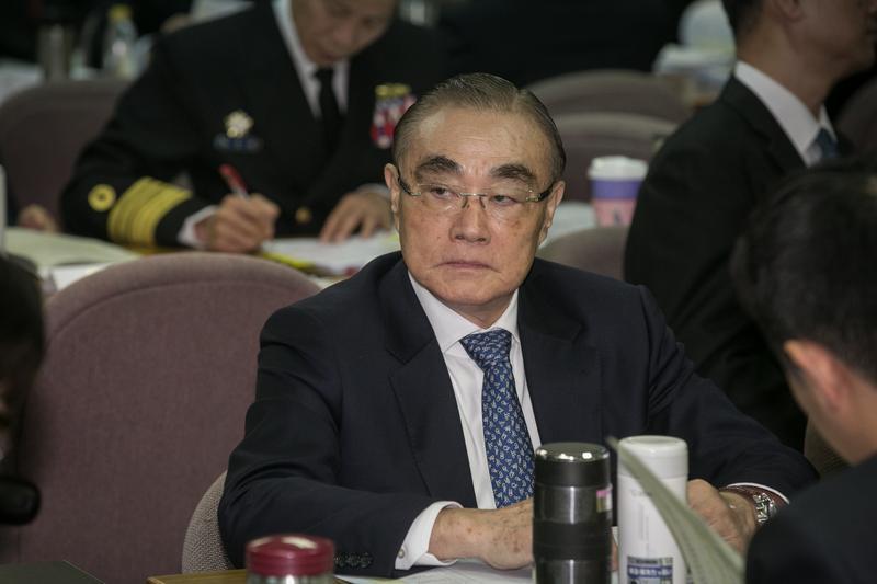 國防部長馮世寬今在立法院外交國防委員會答詢時表示,國防部對慶富案有把關責任,懲處名單可能會到司令層級。