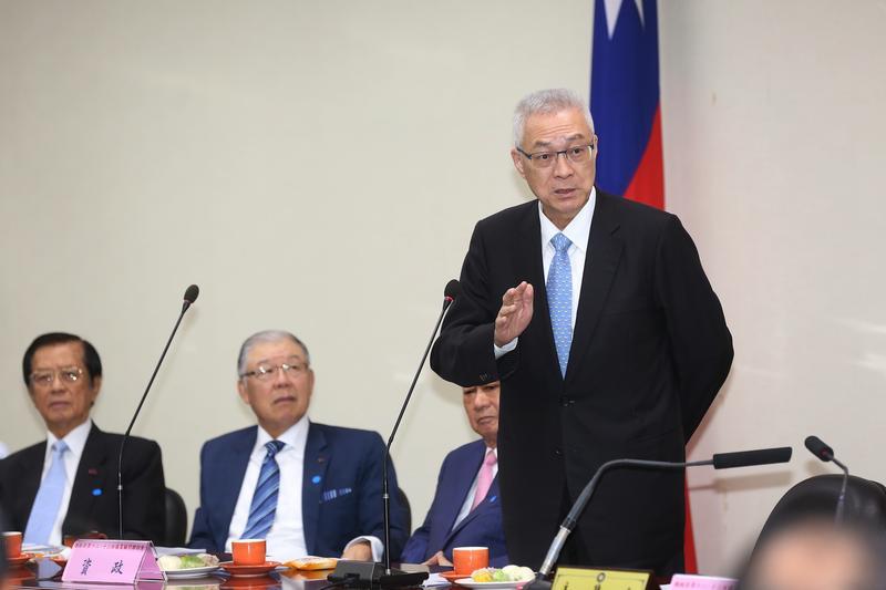 吳敦義否認曾與時任行政院祕書長的簡太郎或前台銀總經理蕭長瑞談過獵雷艦案。