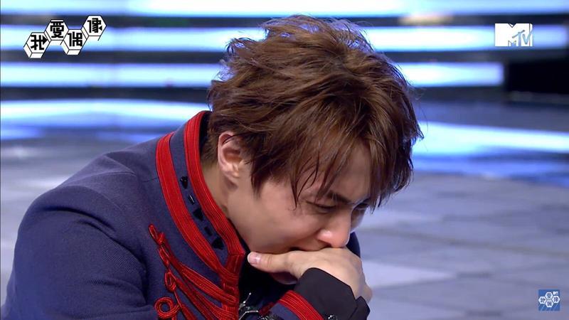 王子節目上看到過世奶奶的畫面,哭到不能自己。(MTV提供)