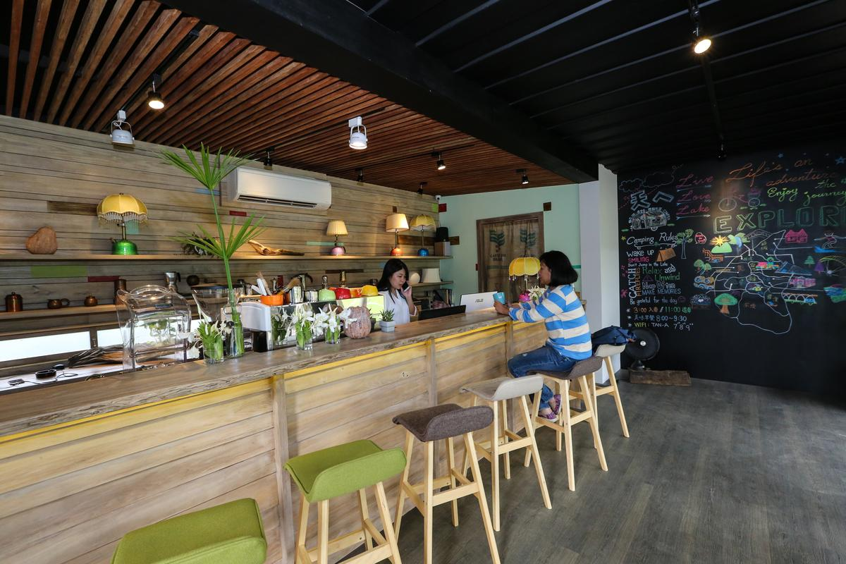 在櫃台小屋裡還提供免費飲料給客人。