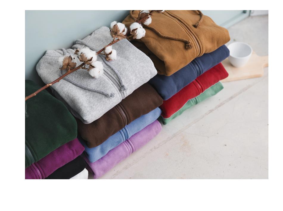 今年秋冬最熱賣的磨毛T恤,質料柔軟保暖。(橘熊科技提供)