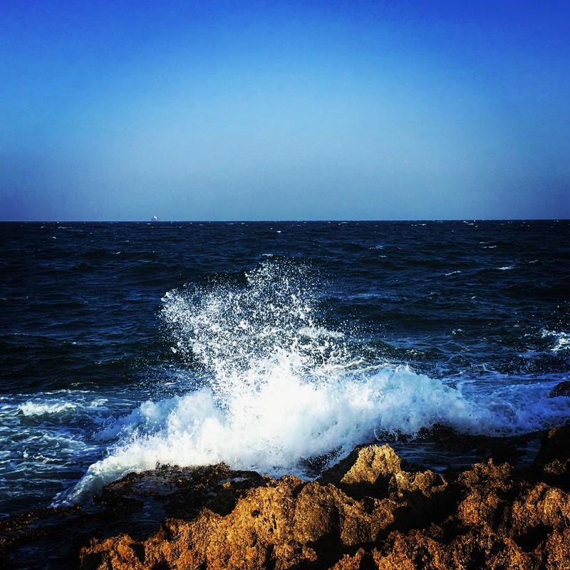 驚濤駭浪的亞丁灣。