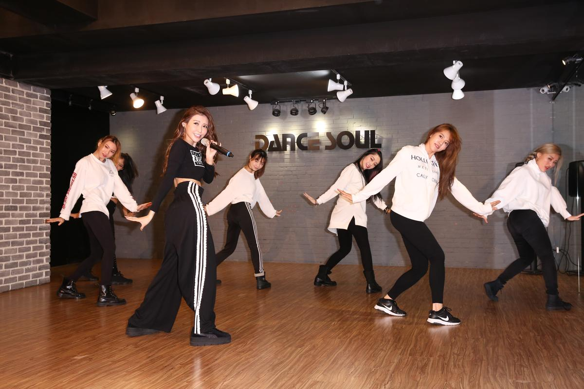 愷樂的《黑蝴蝶》演唱會10日登場,讓她忙到體重直落、是8年來最低標。