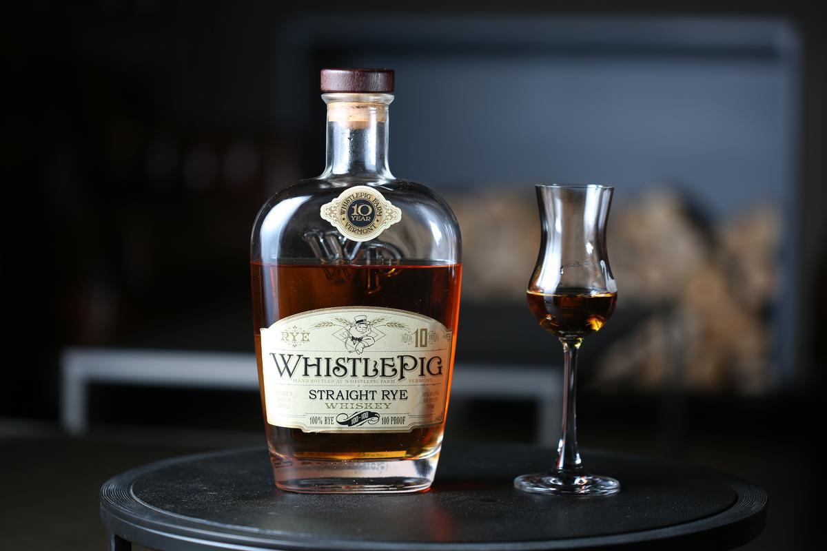 「Whistle Pig單一裸麥威士忌」入口微辣,再轉為溫潤並釋放麥甜,尾段有香草氣息。(600元/杯)