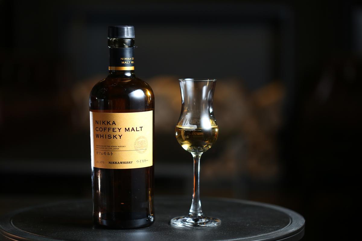 「Nikka Coffey Malt Whisky」酒感輕柔、有糖果甜香,是很好入門的酒款。(400元/杯)