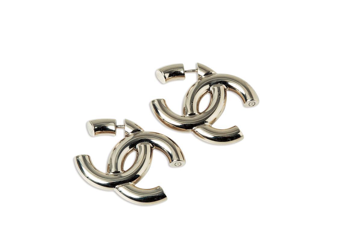 CHANEL耳環。約NT$29,000