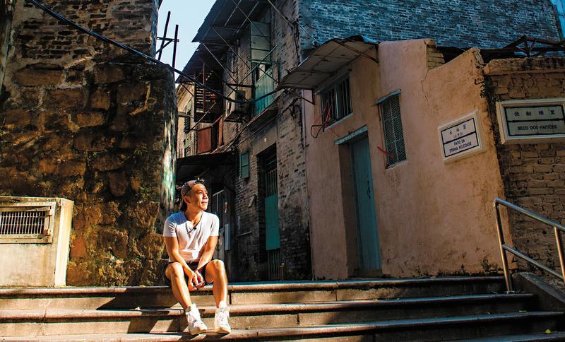 走進小巷,嶺南式青磚建築,散發古拙況味。