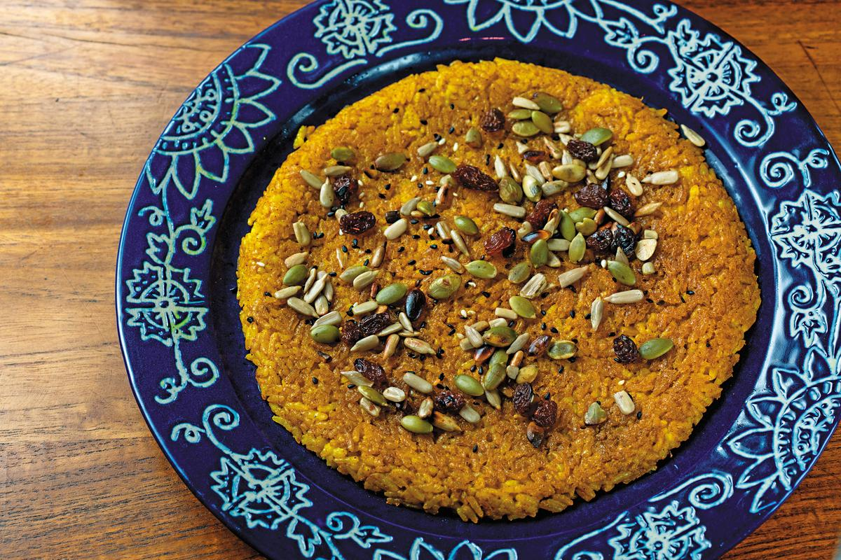 「香料米餅」口感很脆,有咖哩及薑黃香味,可以當作主食。(印尼盾18,000元/份,約NT$41)