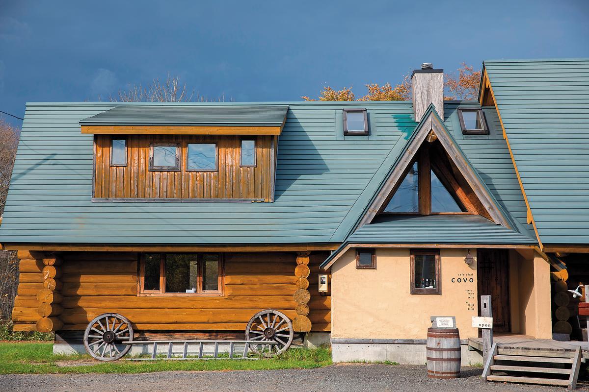 屋主親手打造的木屋,造型可愛又溫馨。