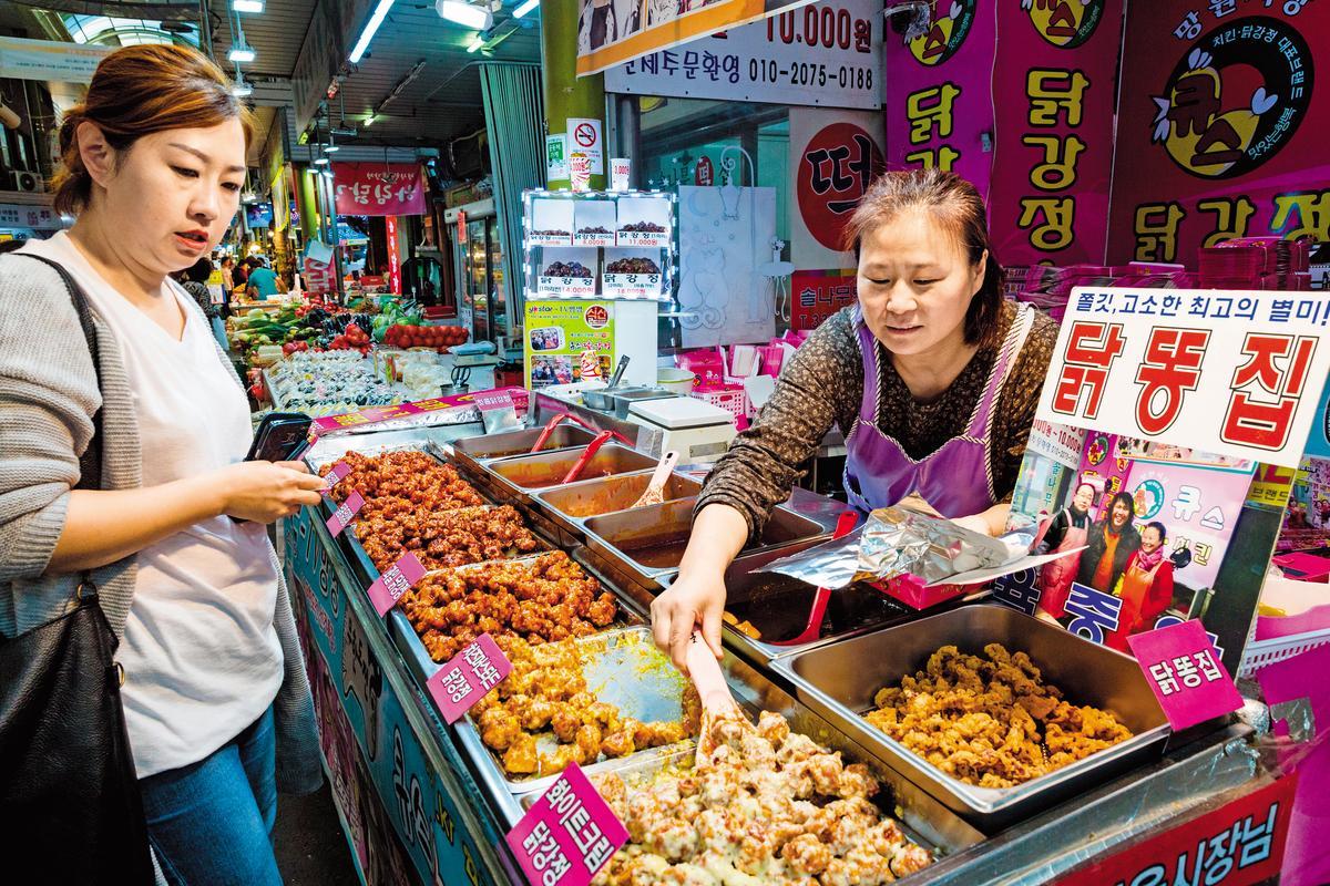 韓式炸雞口味眾多,討好食客嘗鮮心理。