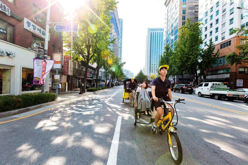 搭「阿弟三輪車」逛首爾觀光熱點,非常舒服。