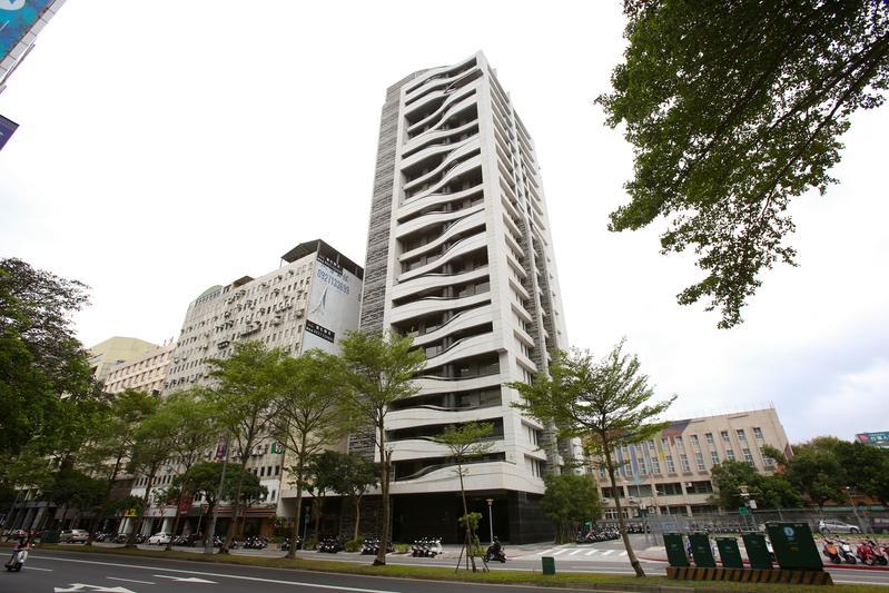 今年全國房屋買賣移轉件數可望成長8.2~10.2%的年增率,但台北市僅增長6%,相對落後。