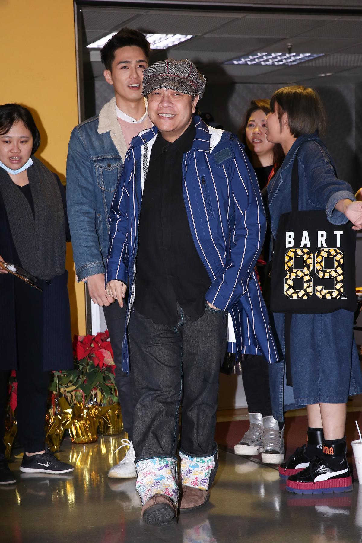 蔡康永難得現身小巨蛋看演唱會,專程捧楊丞琳的場。