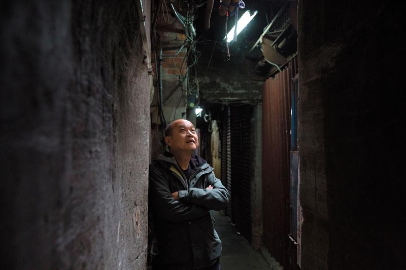 鄭文堂的電影刻畫社會底層之人特別入木三分,他說,因為自小住家附近就是紅燈區,毒窟、賭場、黑道群聚。