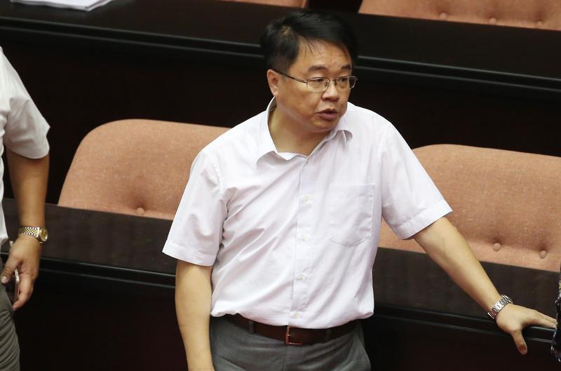 針對一例一休再次修法,吳秉叡強調,法案有得有失,執政黨將來還是要面對這個政治責任。