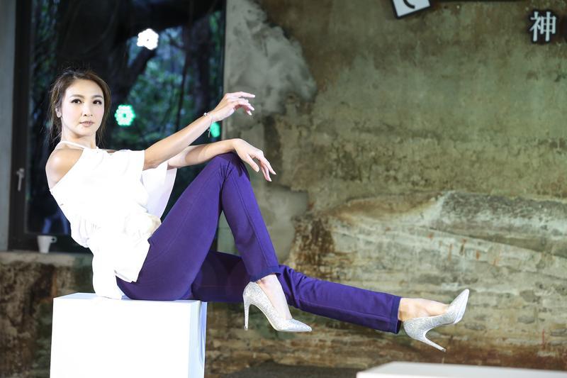 陳思璇在記者會上秀出修長美腿,還在大方分享保養腿部的習慣。
