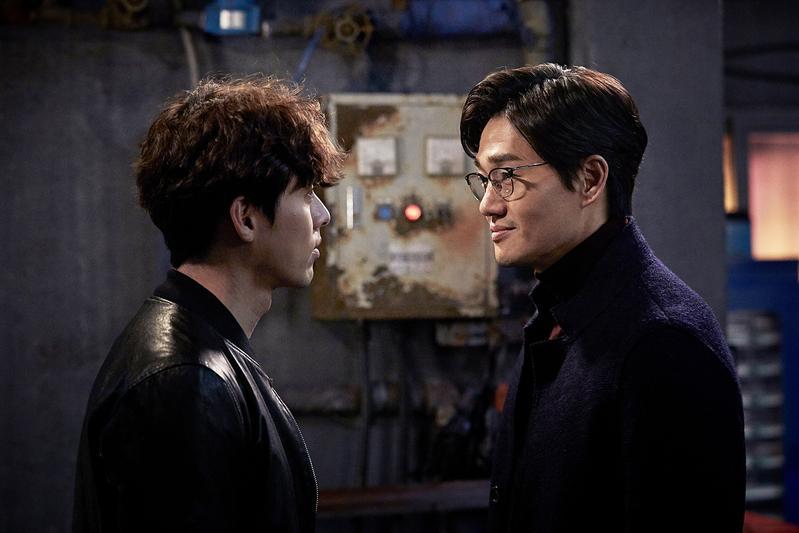 《騙徒》能看到炫彬(左)、劉智泰精彩鬥智與精湛的演技。(車庫娛樂提供)