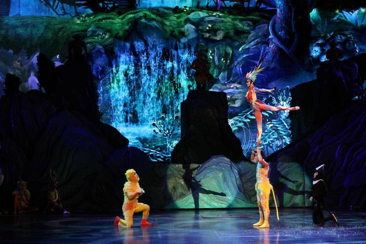 出神入化的肩上芭蕾表演,讓孫悟空也看得目瞪口呆。