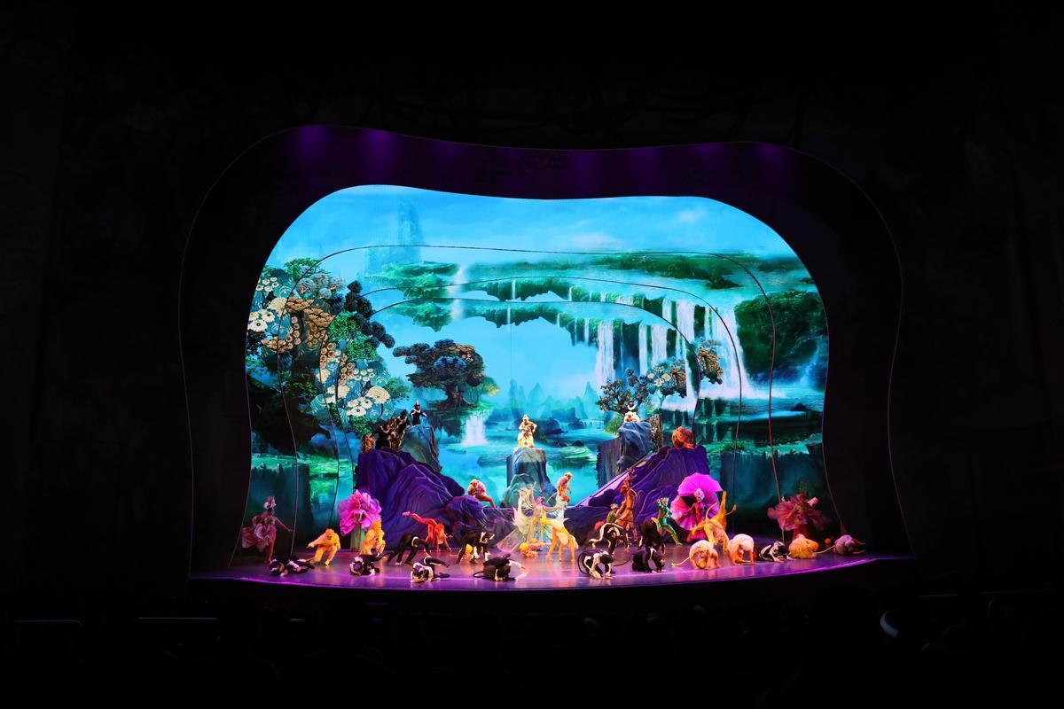 舞台變化多端,圖中為花果山的全景。