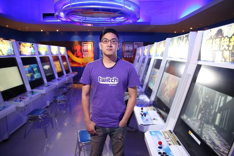 向玉麟是世界知名的快打旋風選手,也是台灣首位職業格鬥遊戲選手。