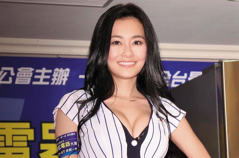王思佳身材火辣,敢露敢秀,是綜藝節目的常客。(東方IC)