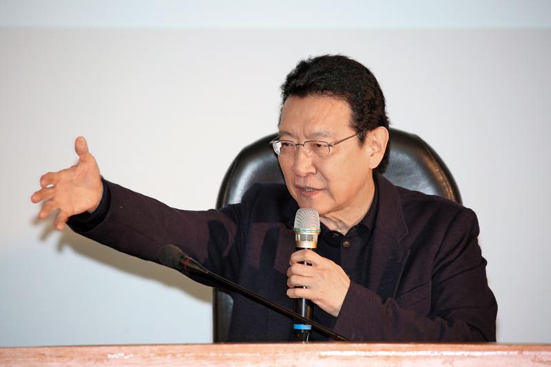 趙少康否認中廣是國民黨附隨組織,還稱當年他出價10億元是最高價。