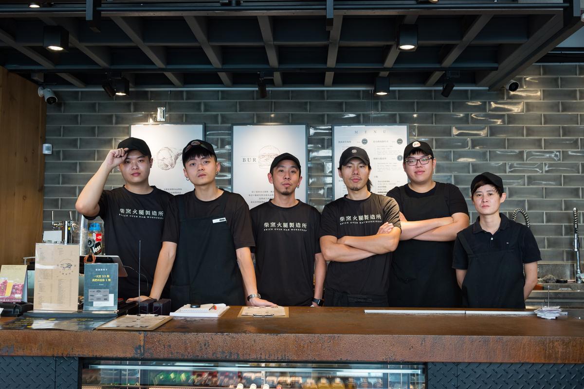 新竹店團隊成員都很年輕,夥伴中有幾位曾在台中訓練。