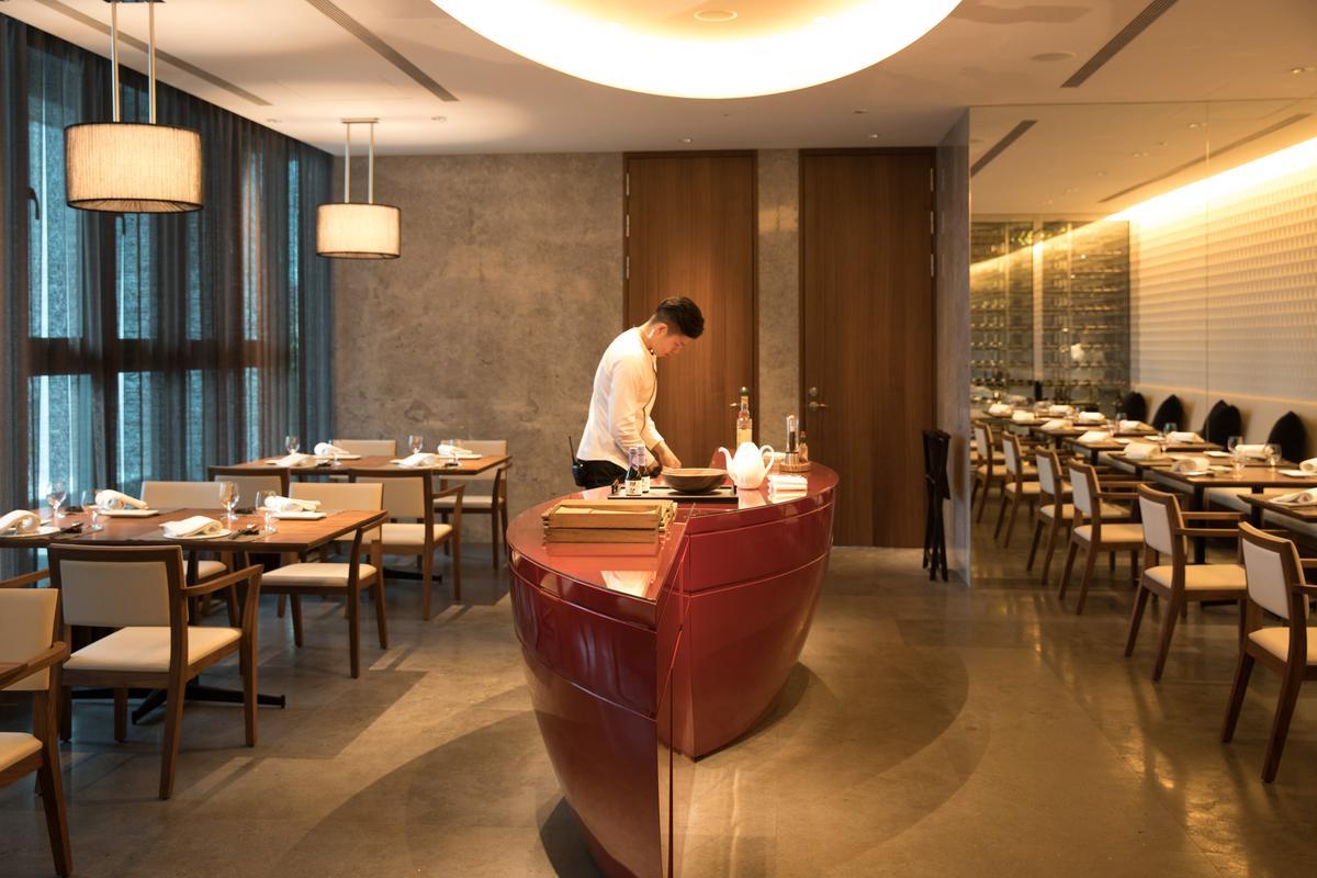 UKAI牛排館由曾獲日本JCD室內設計優秀賞的設計師橋本夕紀夫打造。