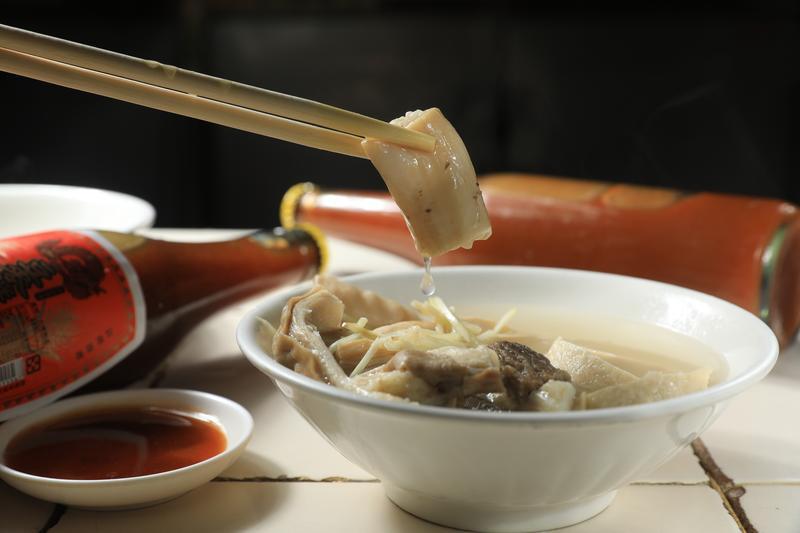 嘉義東市場的「牛雜湯」,美味度可與台南「牛肉湯」匹敵。