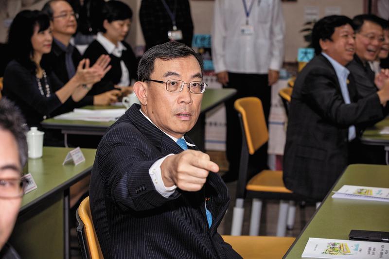 北檢檢察長邢泰釗像拚命三郎,主導偵辦多起弊案,雖然遭馬英九指控洩漏不實祕密,並未動搖他查弊決心。