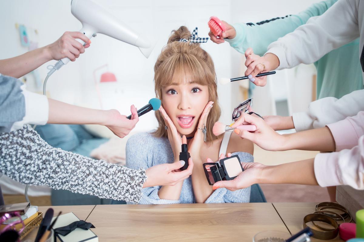 袁詠琳事業展開不少新動作,除了推新歌,也成為節目主持群。(杰威爾提供)