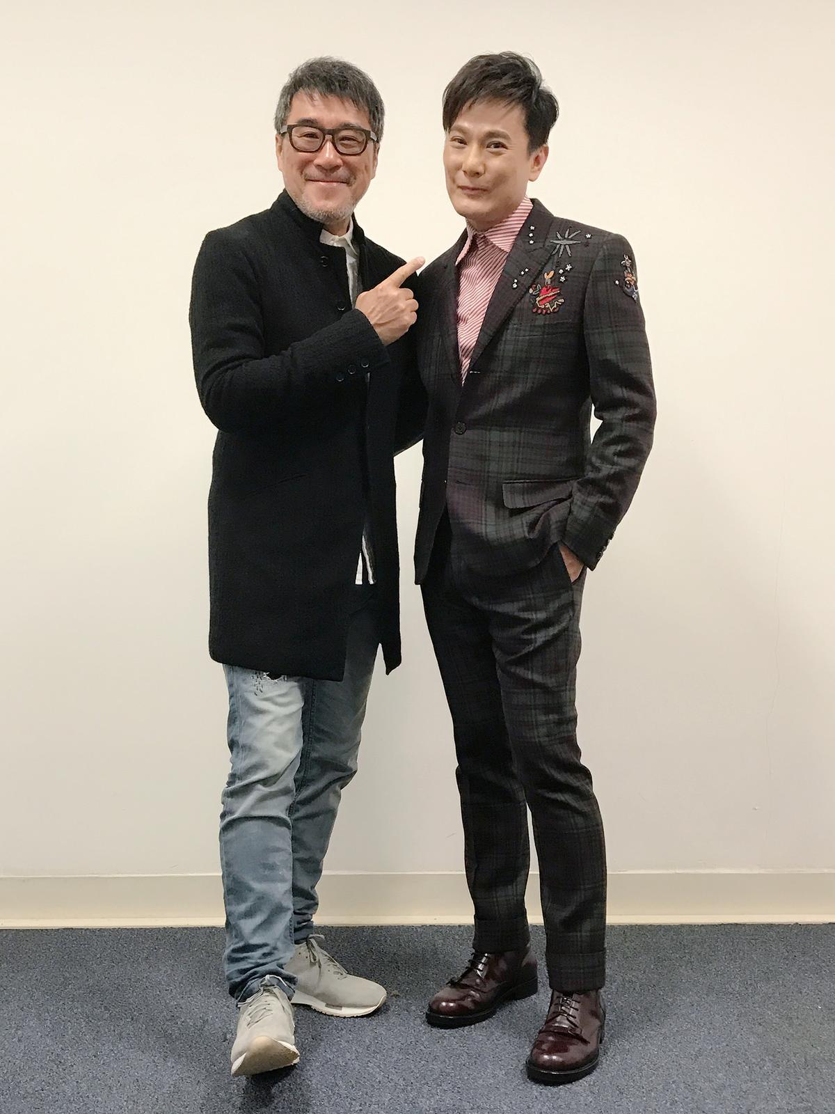 張信哲跨年演出與李宗盛喜相逢,因為〈愛如潮水〉一曲讓2人當年登上事業新高峰。(潮水音樂提供)
