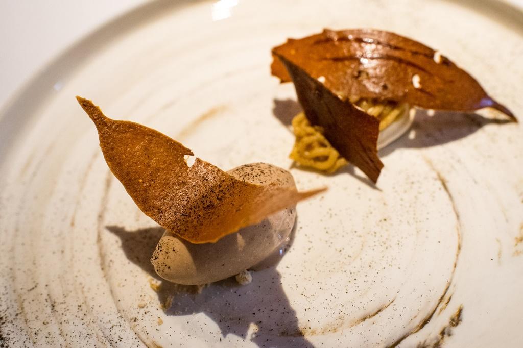 甜點「栗秋」是佐藤版的蒙布朗。
