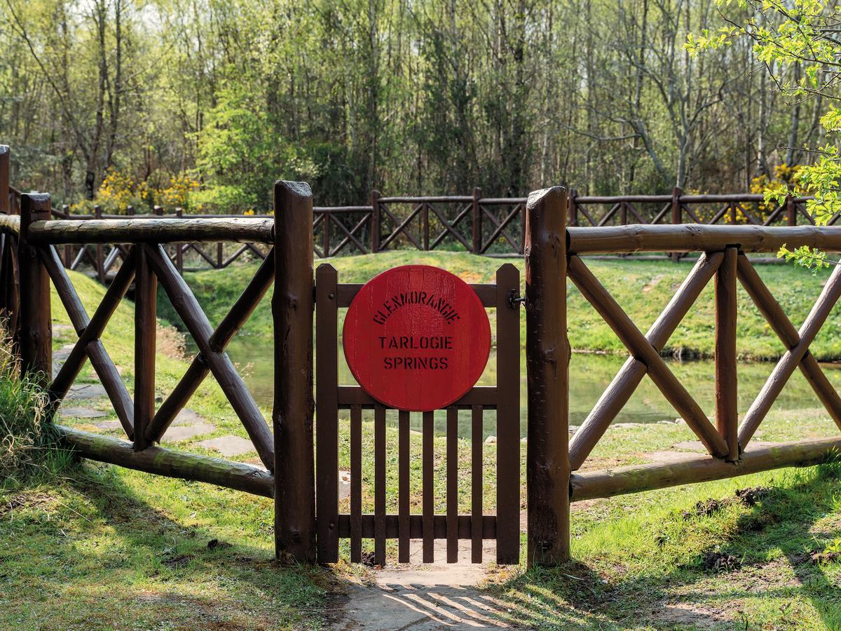 格蘭傑酒廠為蘇格蘭唯一使用硬水釀酒的酒廠,後山的泰洛希湧泉為酒廠私有水源境地。
