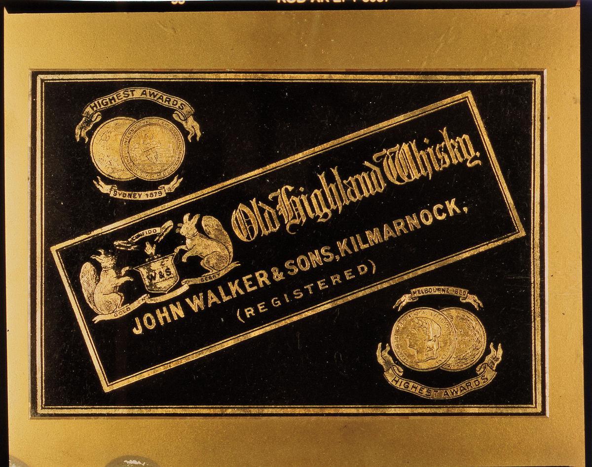 亞歷山大運用父親傳承的獨特煙燻風味調和出「Old Highland Whisky」,成功行銷到世界各地,並設計出JOHNNIE WALKER經典斜向標籤,以增加排版空間。