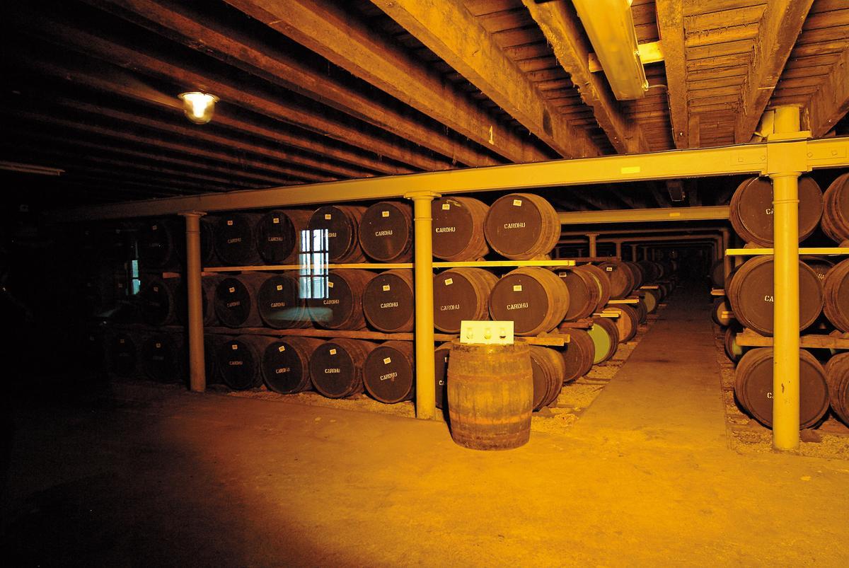 Cardhu釀酒廠存放的酒桶,採用傳統Dunage三層式堆疊。