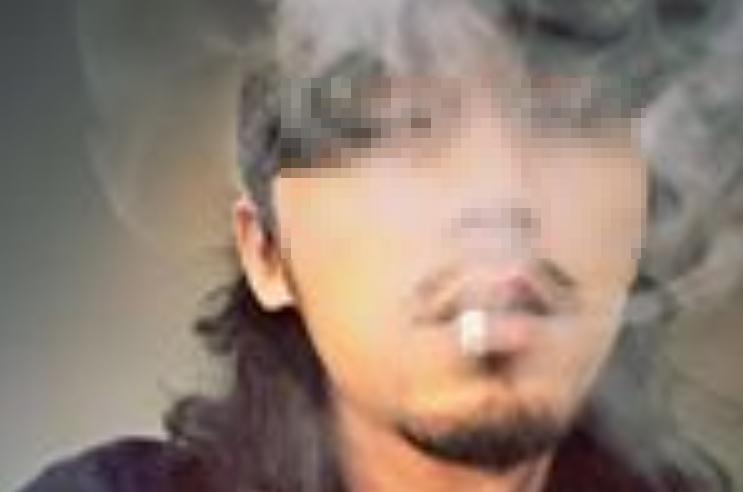 在網路上以「松山西口前」帳號的穆姓攝影師被網友指控騙砲。(翻攝畫面)