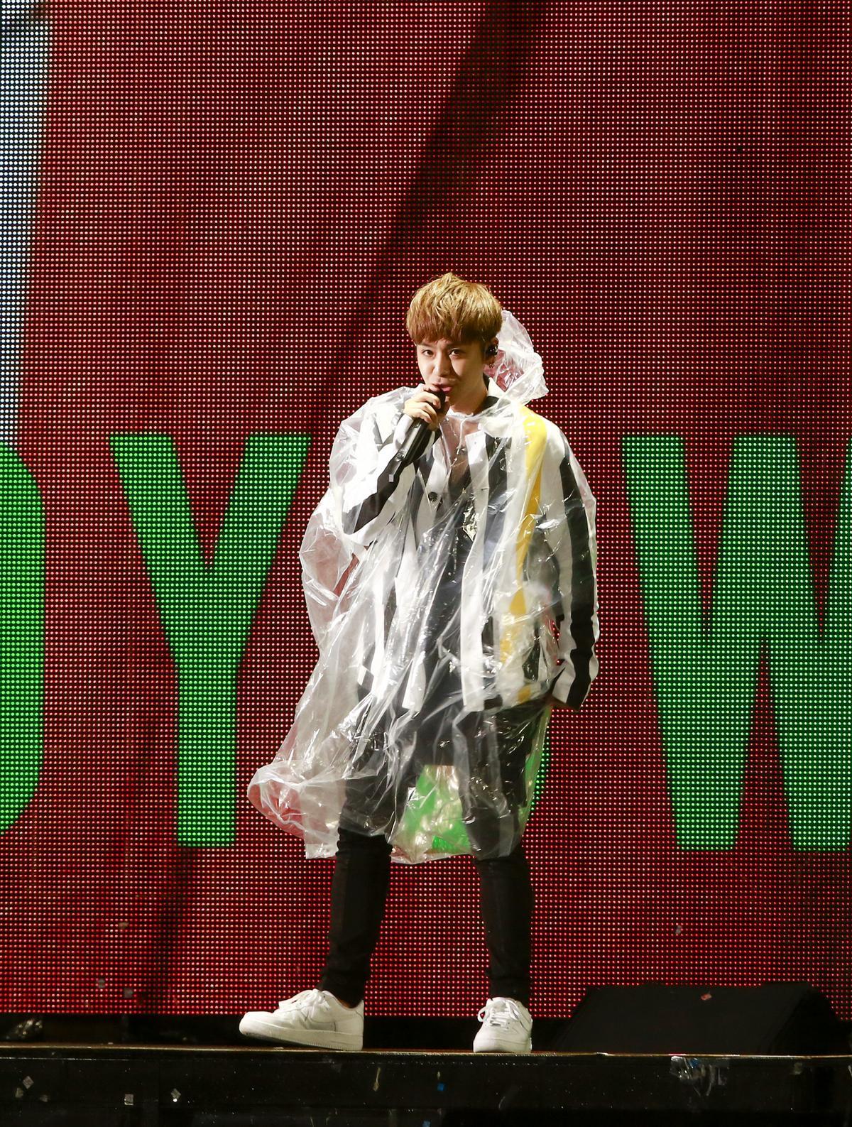 鼓鼓擔任開場嘉賓,特別在上海演唱會結束隔天回台助陣。