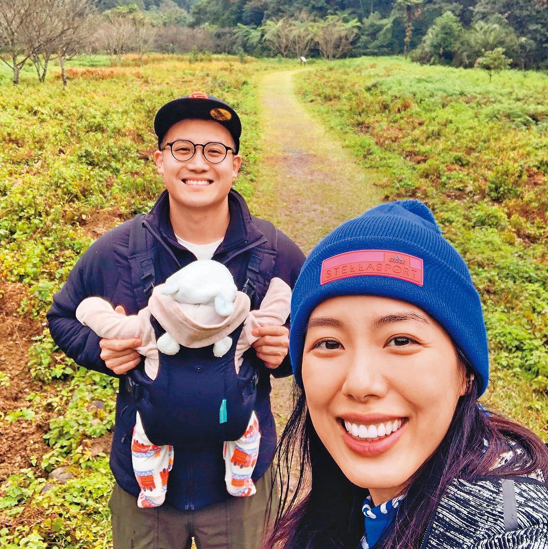 上個月林可彤跟老公Tom及兒子Adam一家3口第一次去小旅行,不時拍照放上臉書放閃。(翻攝自林可彤IG)