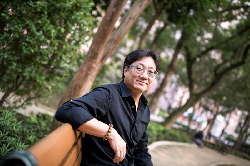 談起13年前從華視業務部副理一職離開,羅法平搞笑地說,江霞或許是他生命中的間接的貴人。