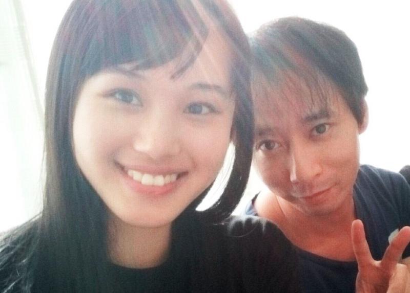石田壹成與小23歲的女友飯村貴子,兩人過得頗慘。(翻攝網站JONNY)