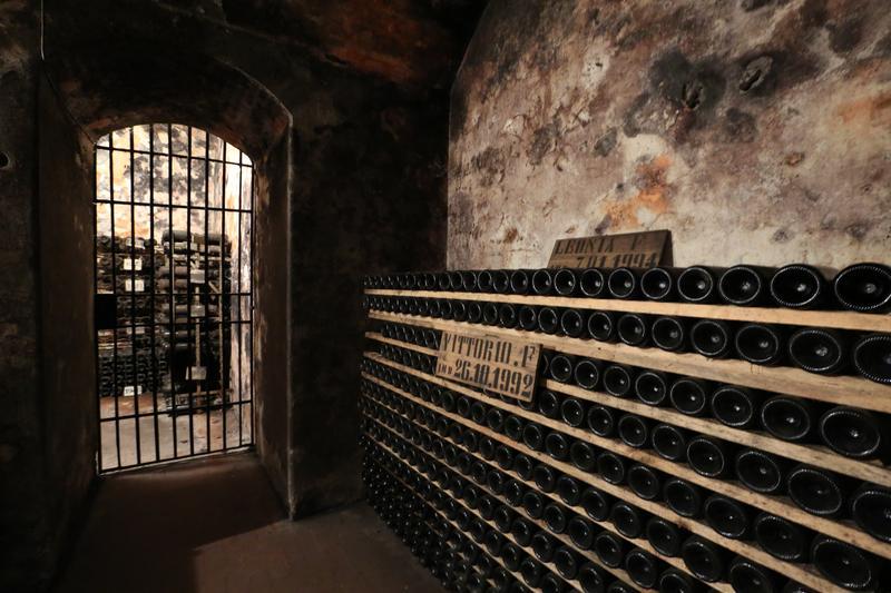 「尼波扎諾莊園」地窖裡有間牢房,放的都是最珍稀的高年份酒。