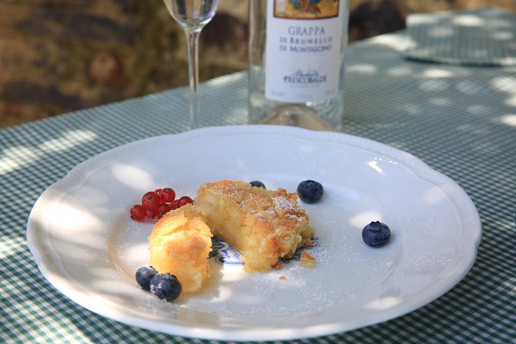 經典的義大利酥餅與卡斯提喬康朵的渣釀白蘭地(Grappa)十分合拍。